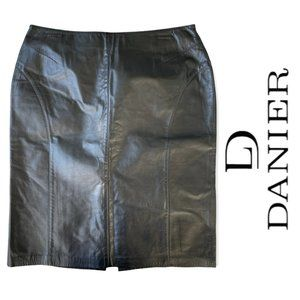Danier black leather pencil skirt size 10